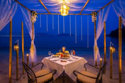 Nakalay Romantic Beach Dining, Thavorn Beach Village Resort