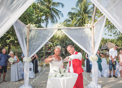 Romantic Phuket Beach Wedding in Luxury Resort Thavorn Beach Village Resort