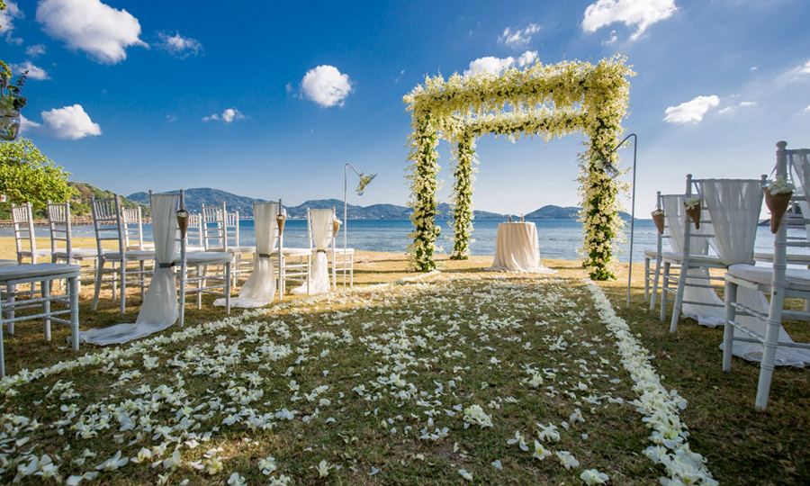 Romantic Phuket on Private Beach Gold Wedding Package